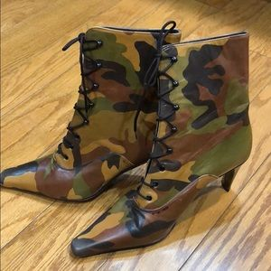 Armando Pollini Camo Heeled Boots